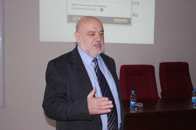 "Prof. Dr Rade Doroslovacki deliverd a lecture on the topic ""A contribution to the establishment of education principles"""