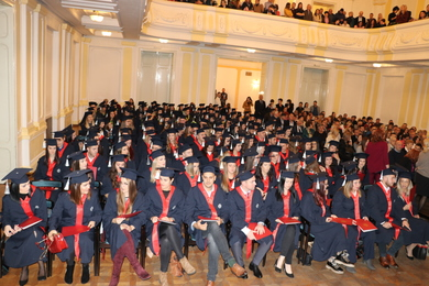 A total of 186 Graduates of the Faculty of Medicine Were Promoted